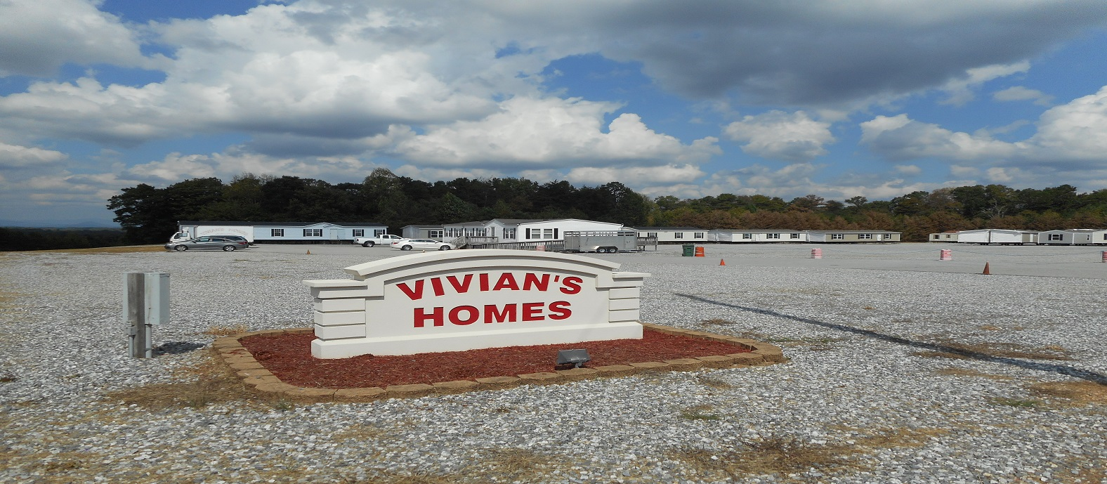 Vivian's Homes on mobile home transport, mobile home movers cab over, mobile home toter conversions, mobile home toter craigslist, mobile home toter cabover, mobile home mover on tracks, mobile home movers moving, mobile lifting equipment home, mobile home toter beds,